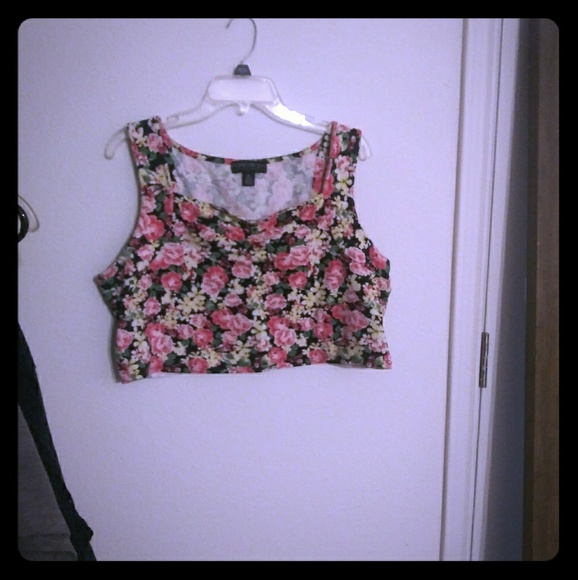 Forever 21 Tops - F21 crop top